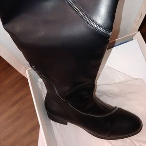 Shoes - Zipper detailed boots